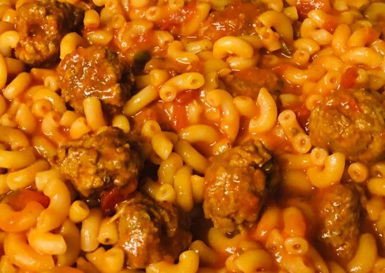 Meatballs macaroni