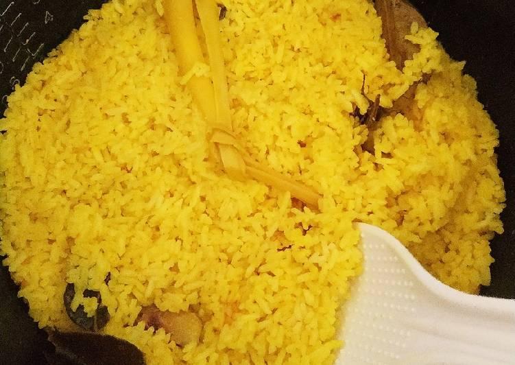 Nasi Kuning Rice Cooker Gurih Nggak Lengket