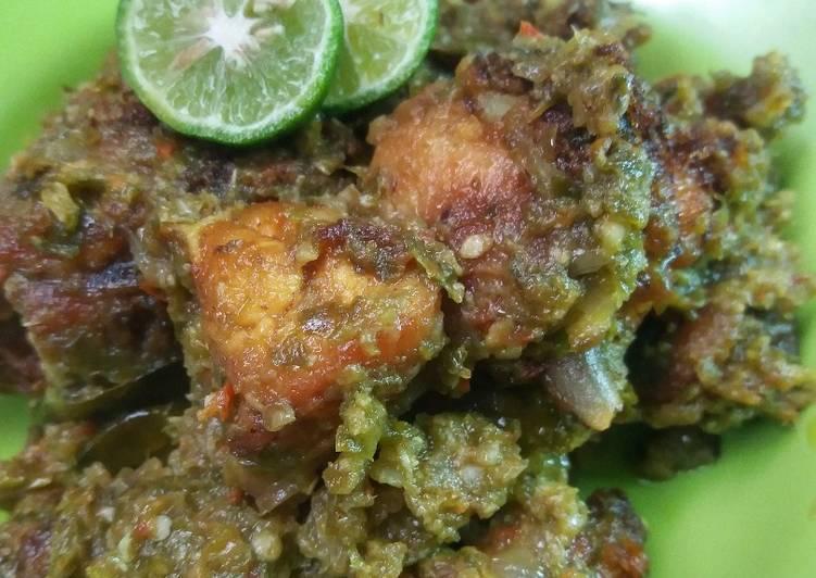 Ayam Lado Mudo (Ayam cabe ijo)