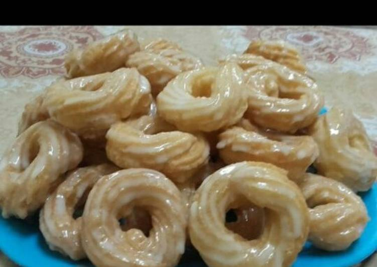 Recipe: Tasty France glazed crullers