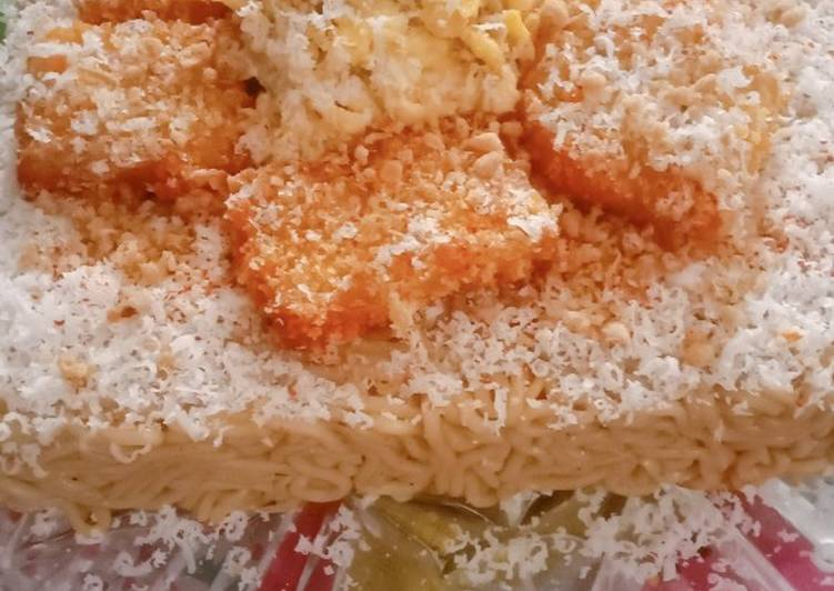 "Steps to Prepare Perfect Indomie ""Birthday Cake"""