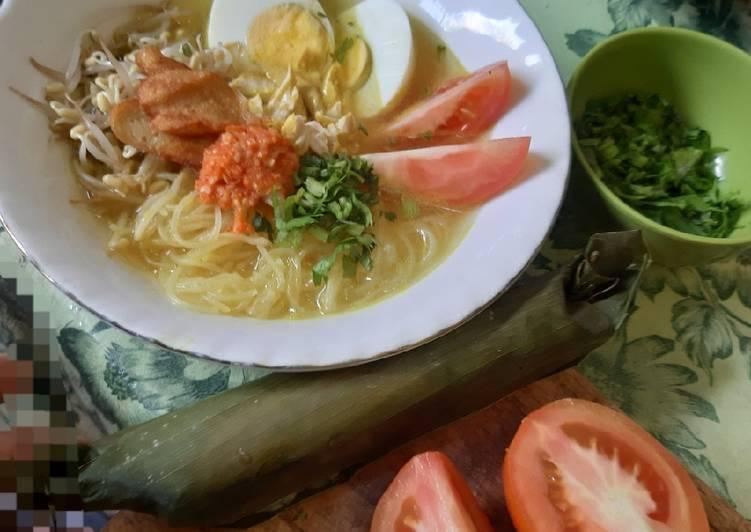 Cara membuat: Kuah Soto Ayam