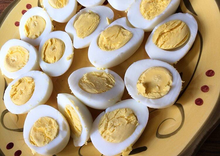 Hard boiled eggs 4-4-4 method In a pressure cooker