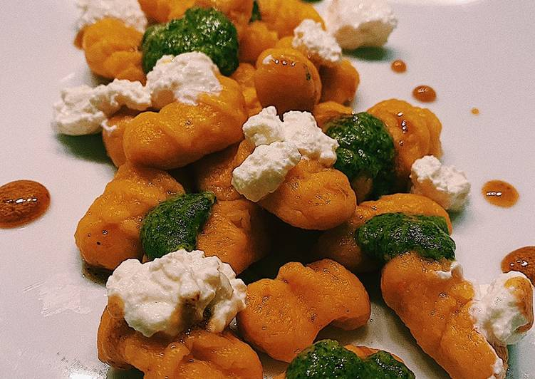 Simple Way to Prepare Perfect Carrot-ricotta gnocchi with mint pesto and hot honey 🍯 🥕