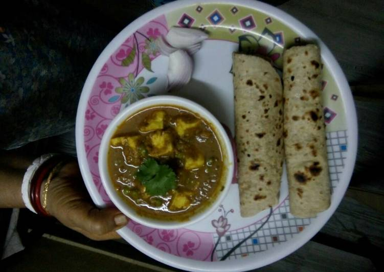 Step-by-Step Guide to Prepare Quick Paneer Curry & Roti
