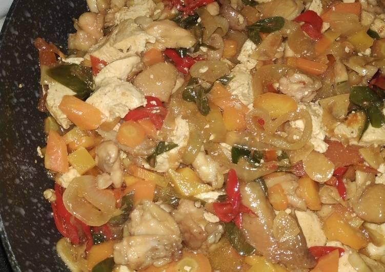 Oseng Mawut Ayam Wortel Bakso