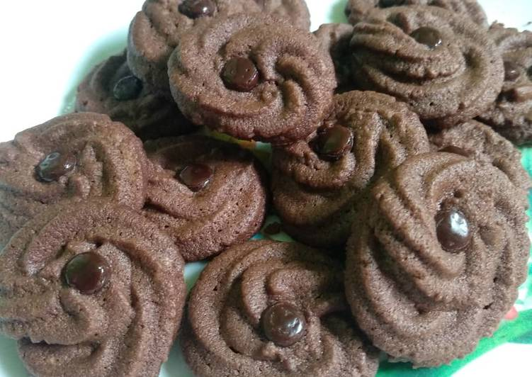 Bagaimana Membuat Kue semprit coklat yang Menggugah Selera