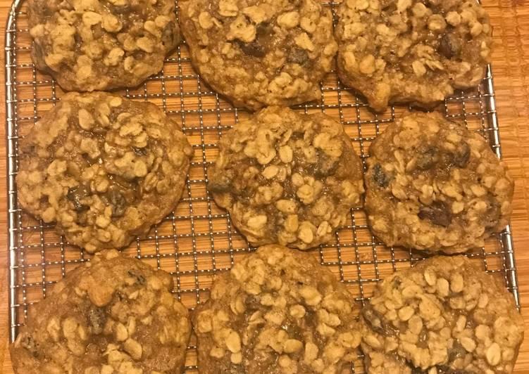 Steps to Make Speedy Quaker Oats Vanishing Oatmeal Rasin Cookies