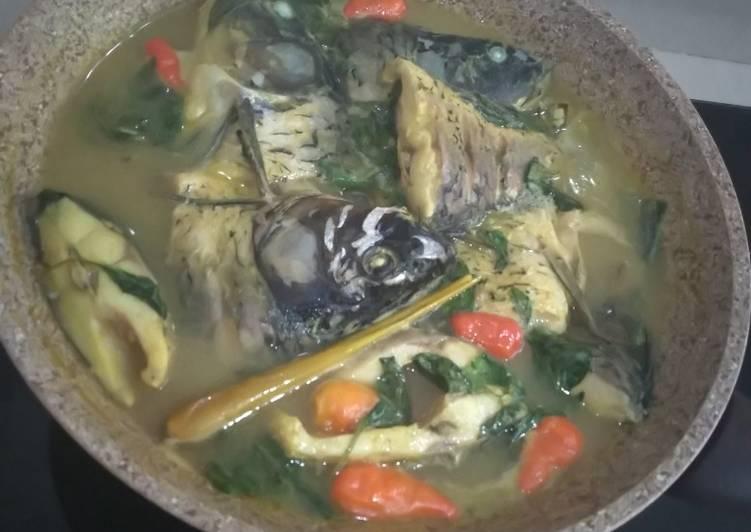 Ikan mas kuah kuning (tanpa santan)