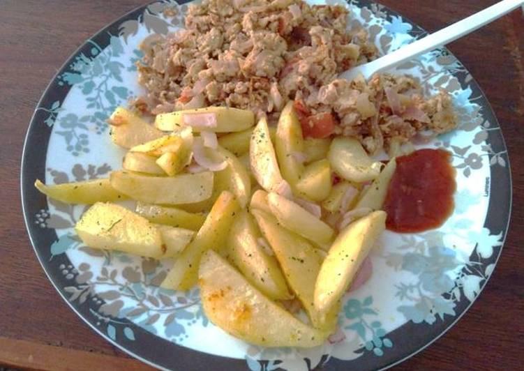 Simple Way to Prepare Award-winning Garlic and Rosemary Potato Wedges