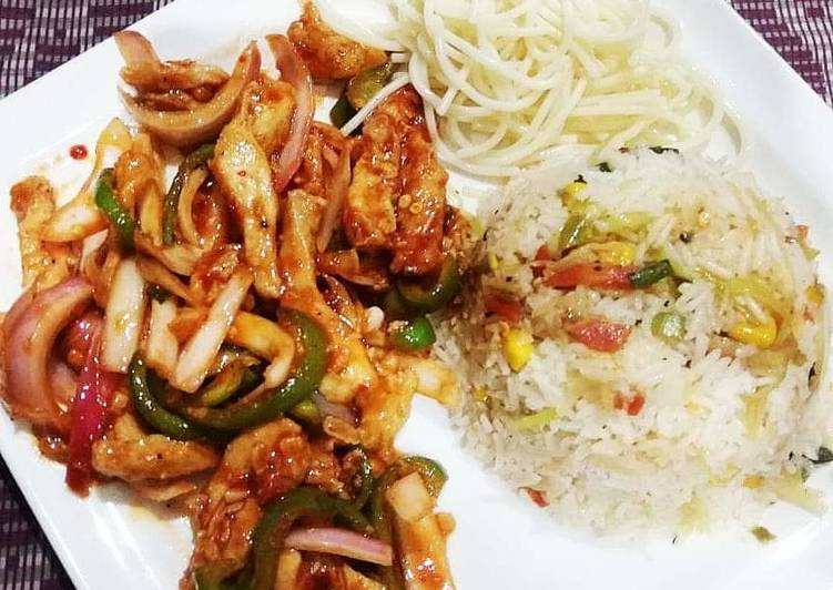 Step-by-Step Guide to Make Quick Chicken chilli dry with fried rice and noodles
