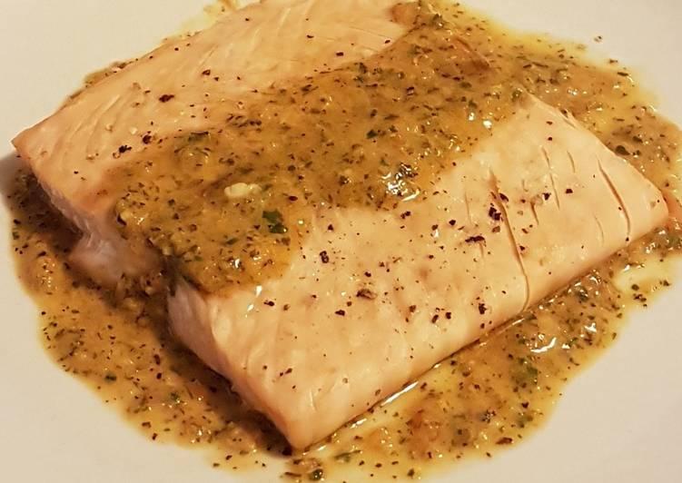 Ricetta Salmone alla piastra con salsina di pomodorini ciliegino