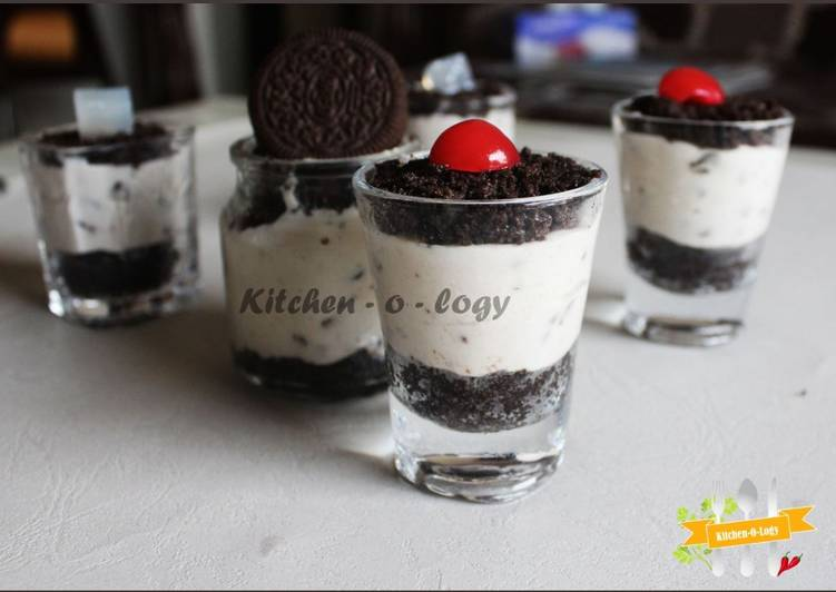 Oreo Glass Cheesecake