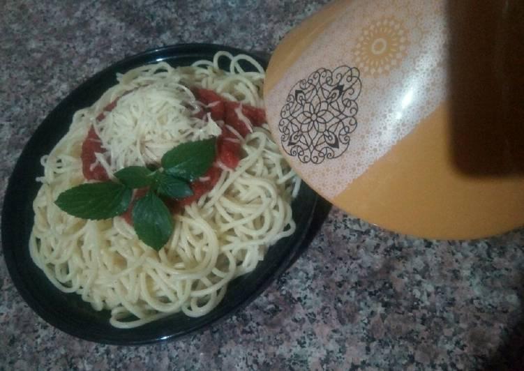 Spaghetti à la sauce tomate 😋