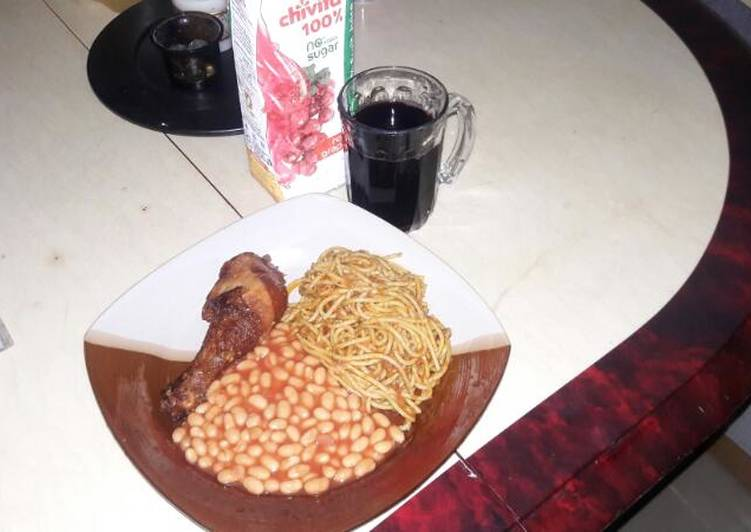 Steps to Prepare Perfect Spaghetti jollof with Baked Beans on the side