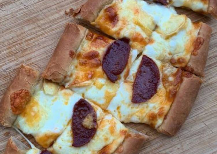 Pide au fromage et sucuk (pizza turque) 🇹🇷