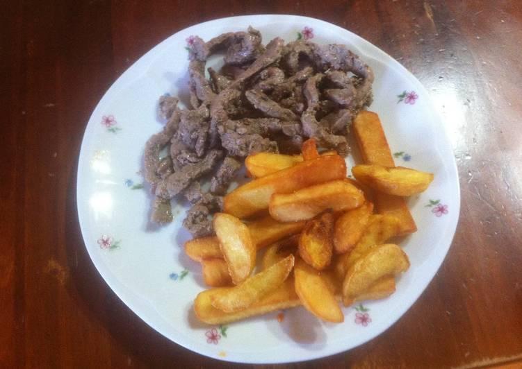 Straccetti di vitello con patate fritte