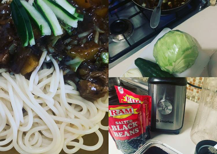30 Minute Recipe of Autumn Jajangmyeon - Black Bean Pasta My Versión