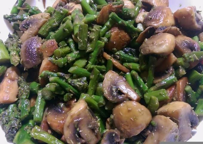 Sauteed mushrooms and asparagus