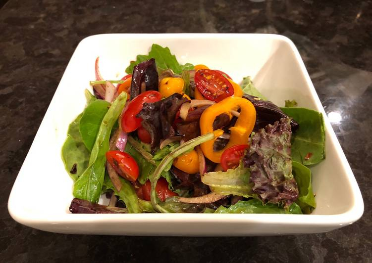 Recipe of Any-night-of-the-week Green salad with homemade spicy balsamic vinegar
