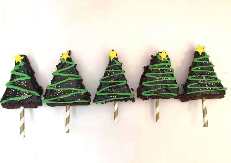 How to Make Delicious Christmas tree brownie