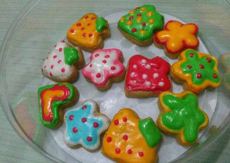 Icing sugar cookies peanut