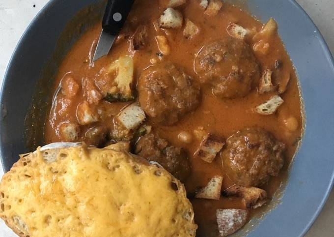 Cream of Tomato soup with Meatballs