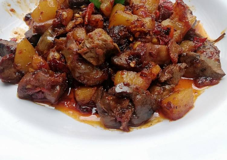 Sambal goreng ati ampela kentang