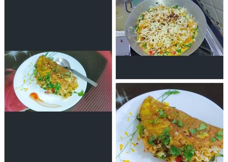 ভেজ চীজ নুডলস ওমলেট (Veg Cheese Noodles Omelette)