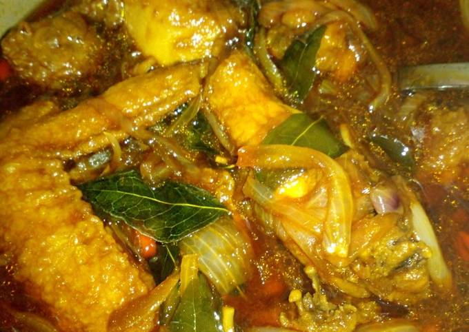 Kam Heong Chicken (Malaysian Style)