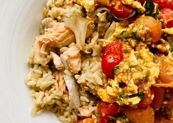 How to Prepare Tasty Mushroom Salmon Rice with Tomato Basil Eggs