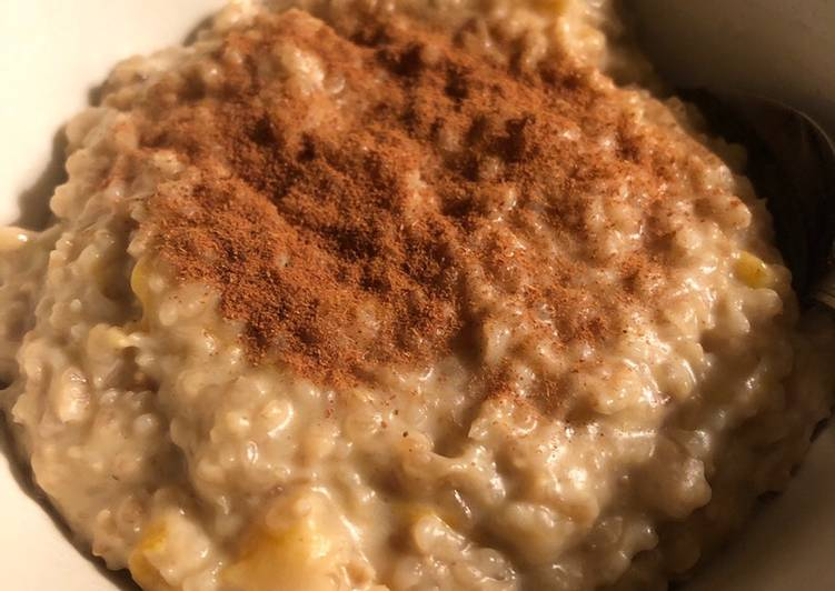 Apricot and tahini porridge