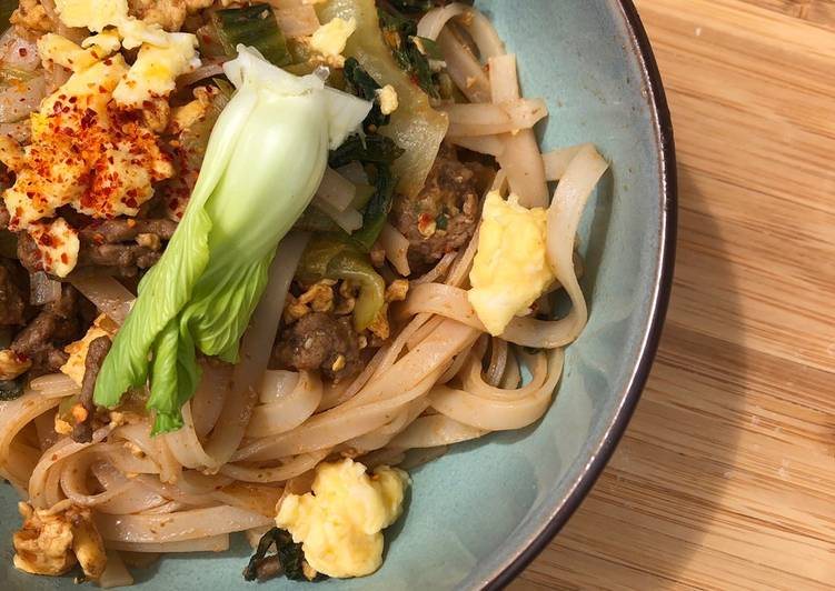La Recette Pas à Pas Wok de bœuf / chou chinois et nouille de riz