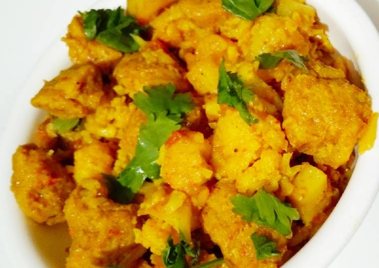 Recipe of Any-night-of-the-week Aloo Gobhi Soyabeen