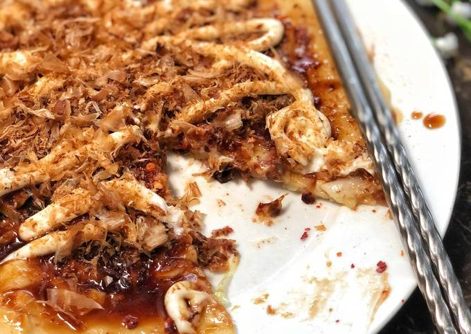 Okonomiyaki (Japanese Pancake/Pizza)