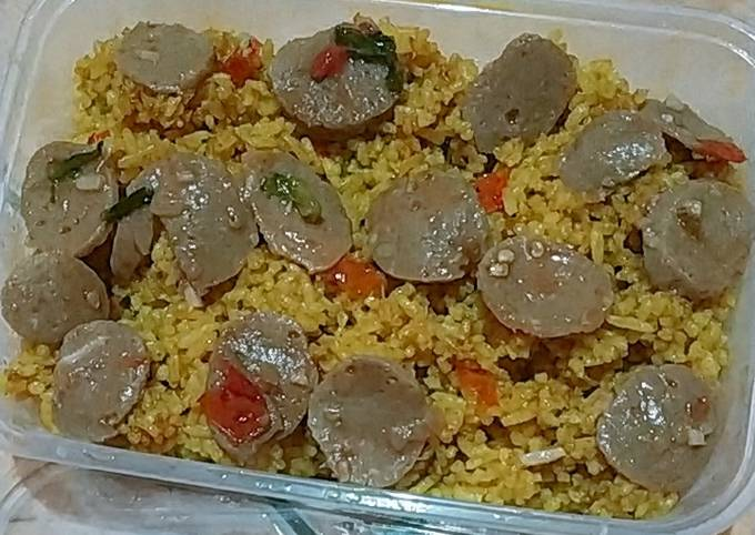 Nasi Goreng Kunyit + Tumis bakso