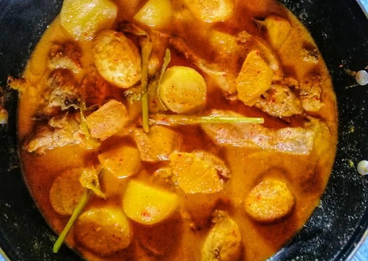 Gulai Nanas (Ayam Telur Kentang)