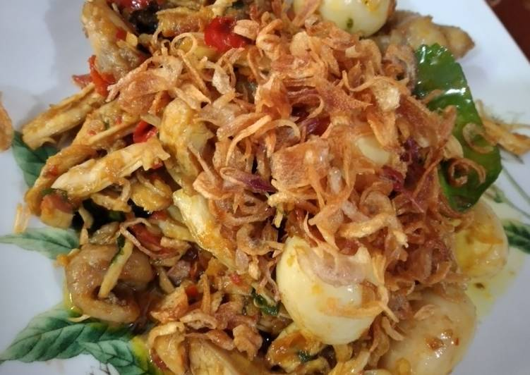 Ayam suwir dan telur puyuh sambal kemangi