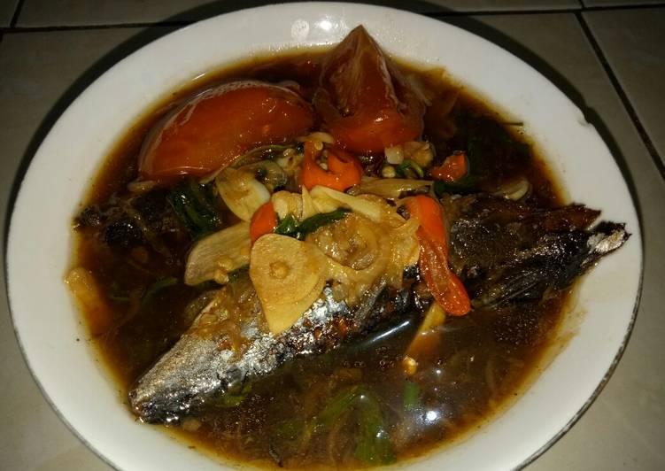 Ikan Pindang Sayur Kangkung Kuah Pedas Manis