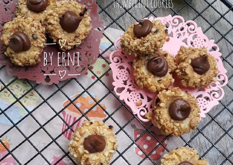 Cara Gampang Membuat Choco Peanut Thumbprint Cookies, Enak Banget