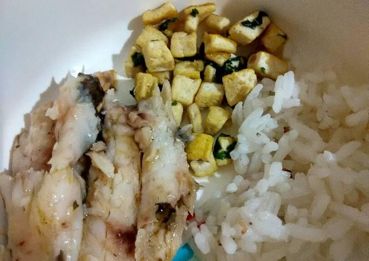 Day. 103 Nasi Ikan Belanak Panggang dan Tumis Tahu (9 month+)