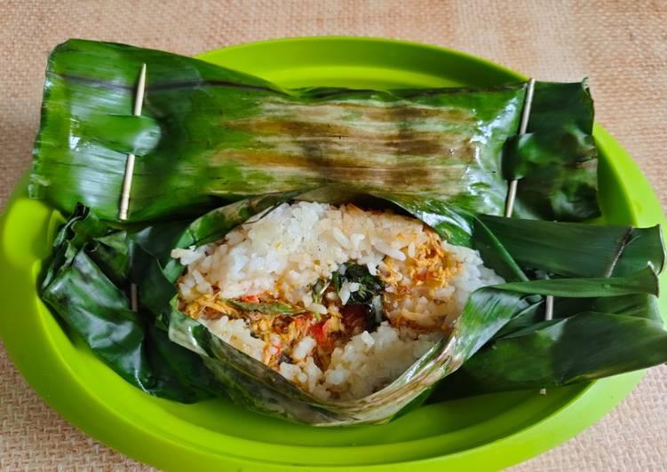 Nasi Bakar Suwir Tongkol Pedas