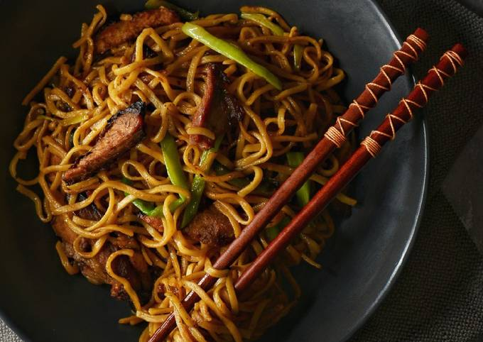 Char Siu Pork Chow Mein