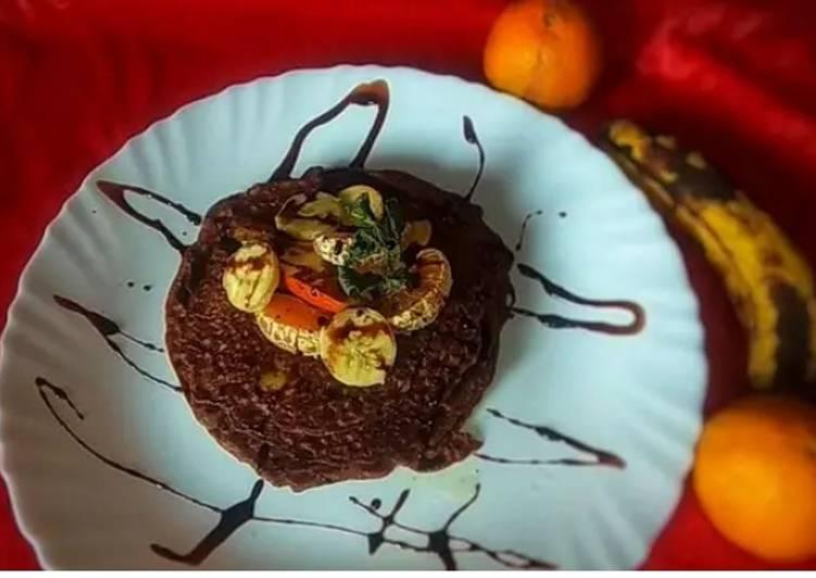 Chocolate Banana Peanut Fruit Pancake With Choco Sauce