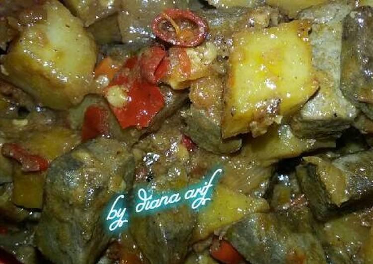 Sambel goreng ati sapi cs kentang.😉
