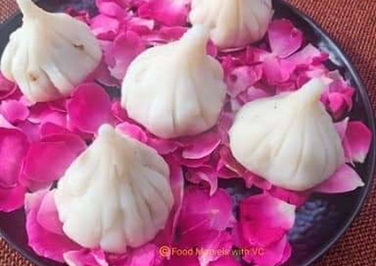 Recipe of Quick Ukadiche Modak - Made with Rice Flour, Jaggery and Nuts