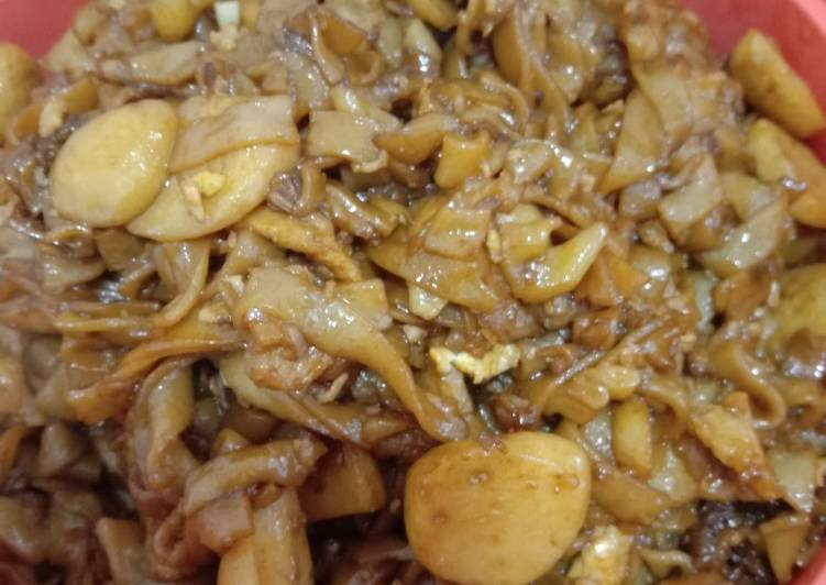 Resepi:  Kuey teow Goreng Bawang Putih  Lazat