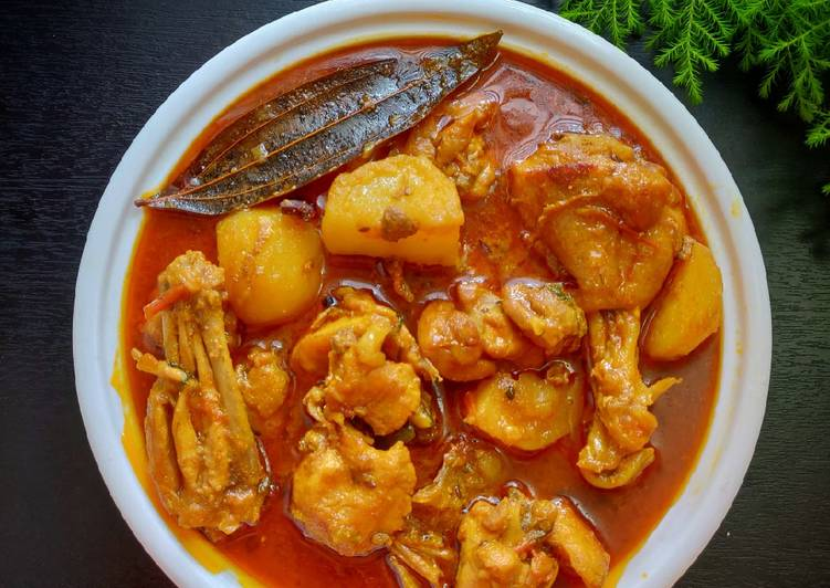 Easy Meal Ideas of Odia style Chicken aloo curry