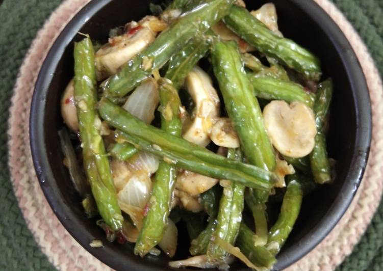 Step-by-Step Guide to Prepare Award-winning Spicy sehezwan green beans