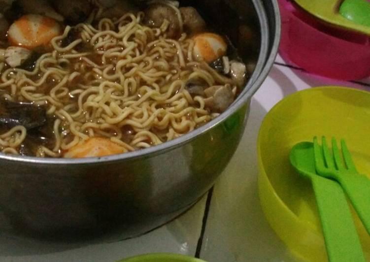 Mie tomyam simple, kuah shabu-shabu